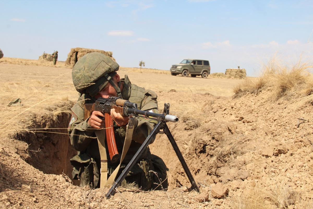 """На втором этапе учения """"Эшелон-2020"""" отрабатывают обеспечение войск в ходе совместной операции по локализации приграничного вооруженного конфликта"""