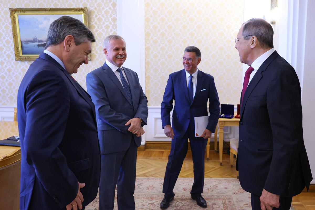 В Москве состоялась встреча Генерального секретаря ОДКБ Станислава Зася с Министром иностранных дел России Сергеем Лавровым