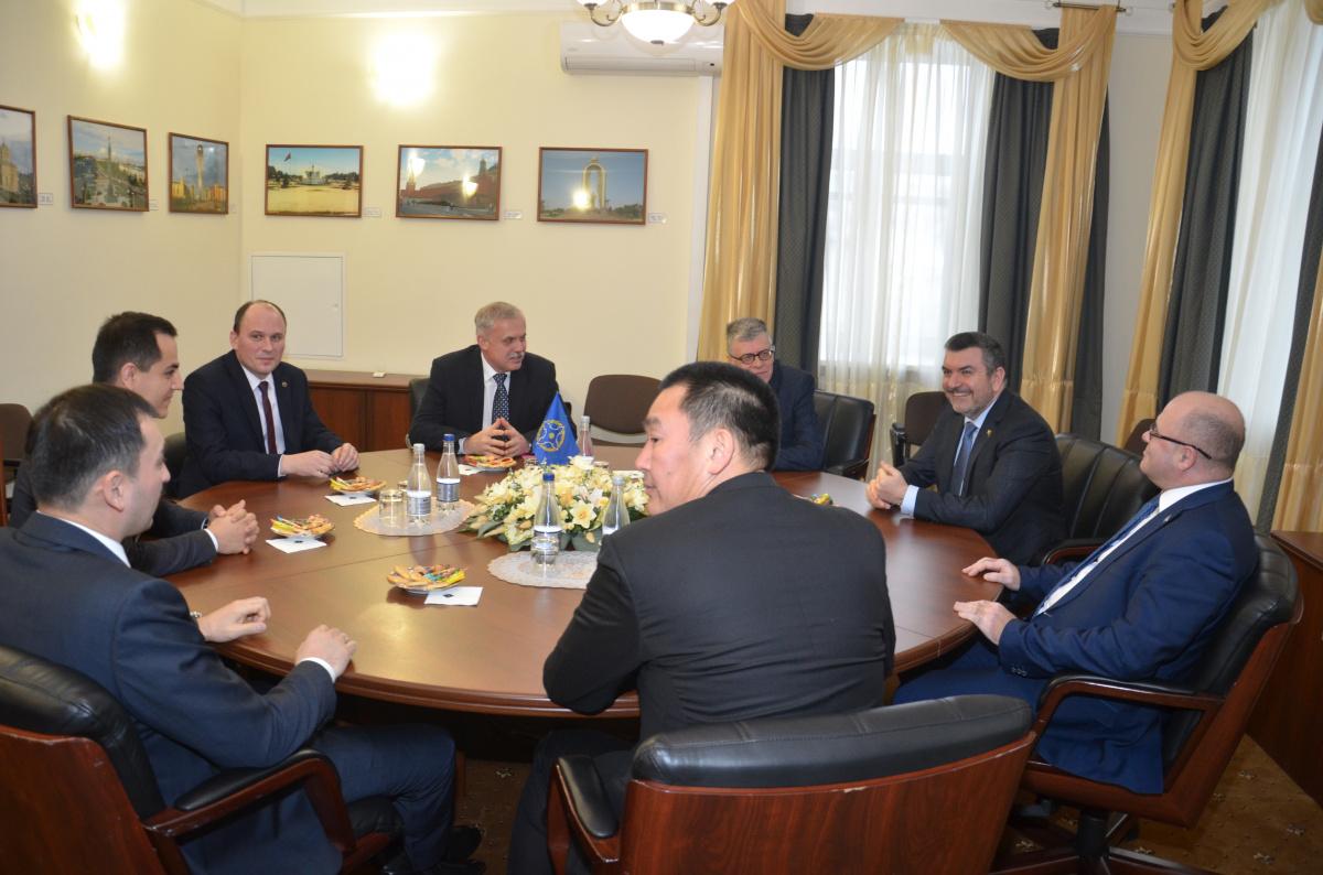 В Секретариате ОДКБ прошла встреча Генерального секретаря Организации Договора о коллективной безопасности Станислава Зася с постоянными и полномочными представителями государств - членов ОДКБ