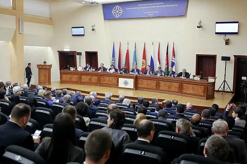 5 ноября 2019 года в Ереване состоялось выездное XII пленарное заседание Парламентской Ассамблеи Организации Договора о коллективной безопасности.