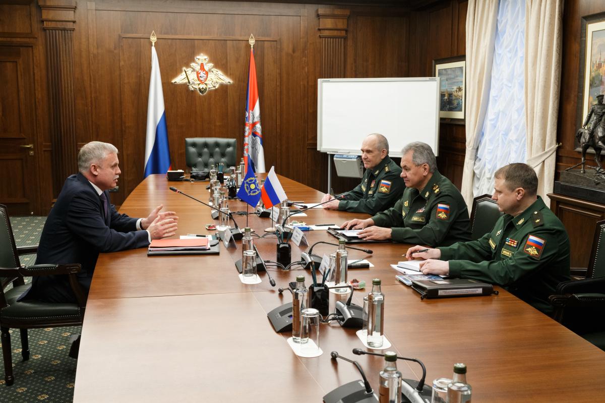 Генеральный секретарь ОДКБ Станислав Зась встретился с исполняющим обязанности Министра обороны России Сергеем Шойгу