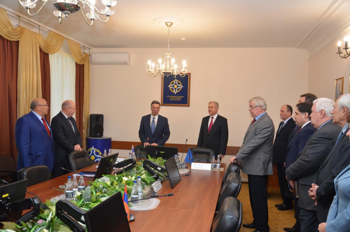 Вновь назначенный Генеральный секретарь ОДКБ Станислав Зась приступил к работе