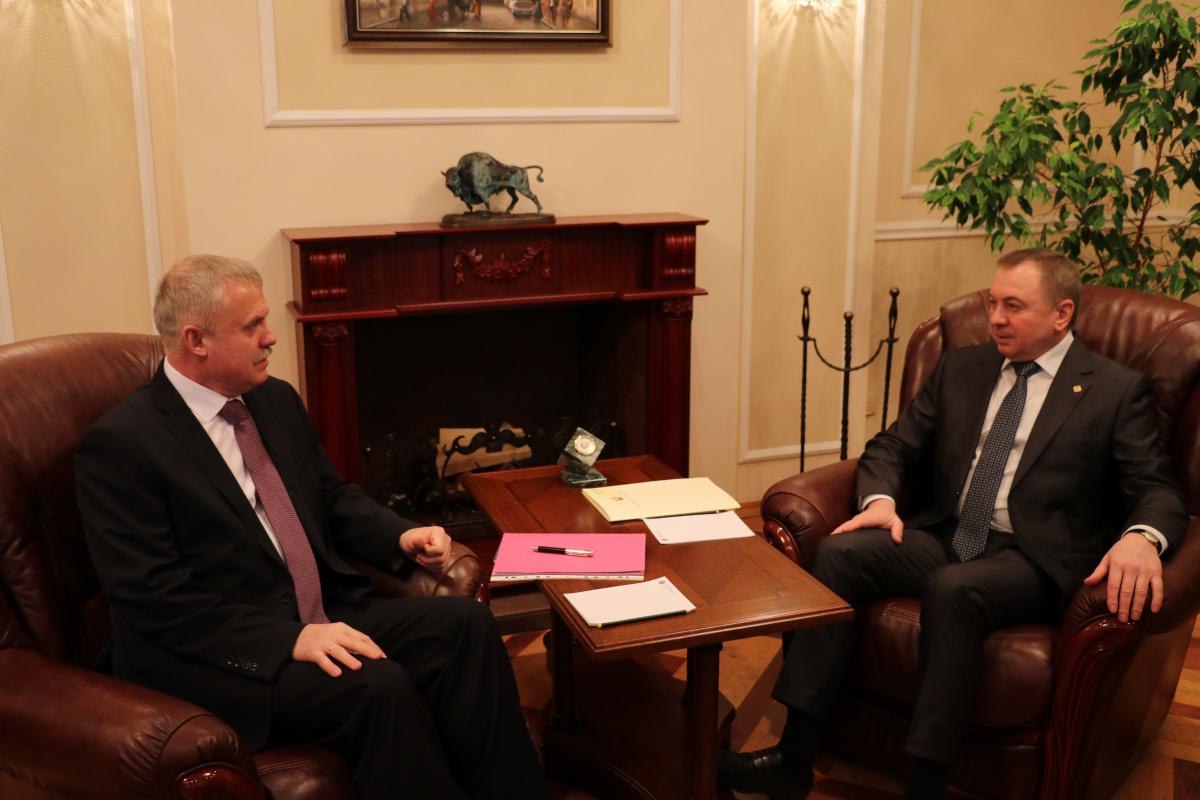 Министр иностранных дел Беларуси Владимир Макей и Генеральный секретарь ОДКБ провели в Минске встречу, в ходе которой обсудили, внешнеполитическую координацию деятельности Организации, а также подготовку предстоящего заседания СМИД ОДКБ