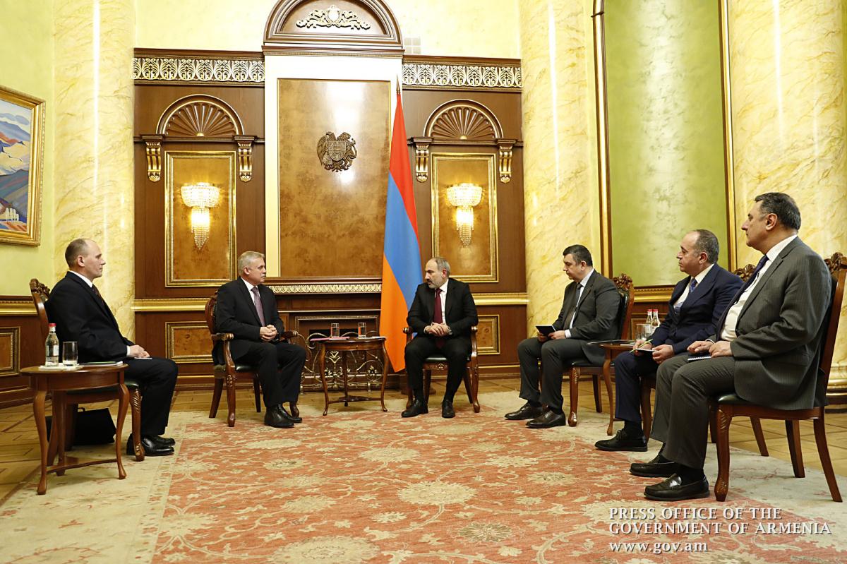 Премьер-Министр Армении Никол Пашинян встретился с Генеральным секретарем ОДКБ Станиславом Засем