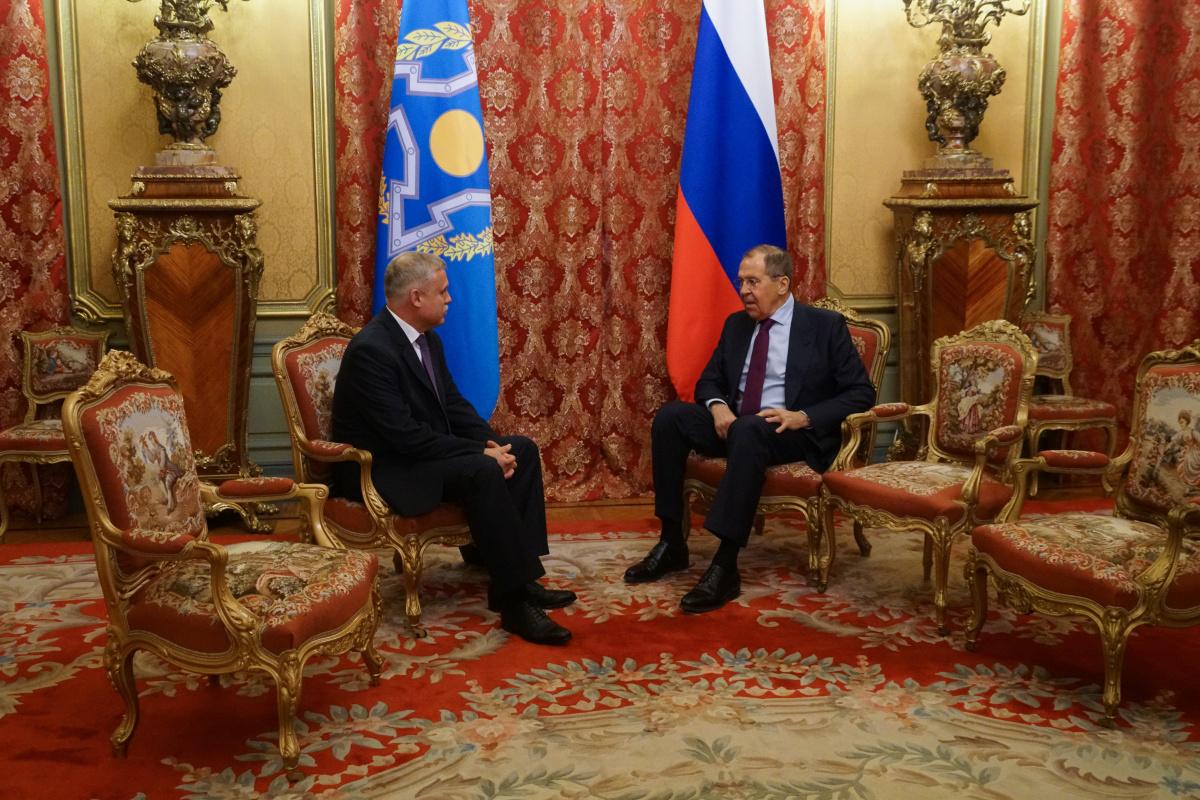 В Москве состоялась встреча Генерального секретаря ОДКБ Станислава Зася с исполняющим обязанности Министра иностранных дел России Сергеем Лавровым