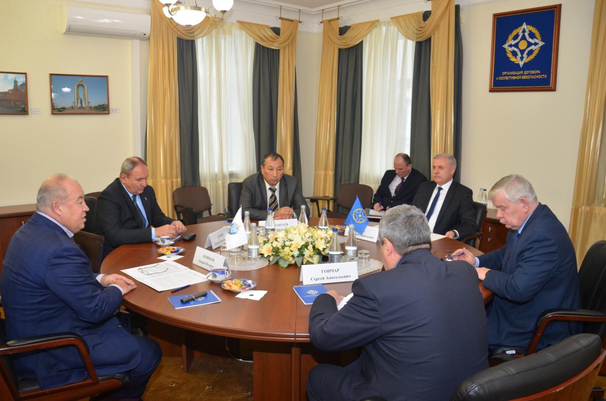 Генеральный секретарь ОДКБ Станислав Зась встретился с Руководителем Антитеррористического центра СНГ Андреем Новиковым
