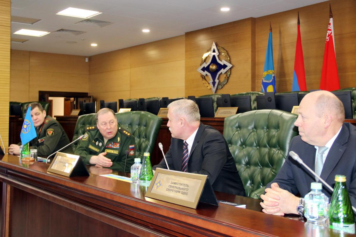 Генеральный секретарь ОДКБ Станислав Зась посетил Объединенный штаб ОДКБ