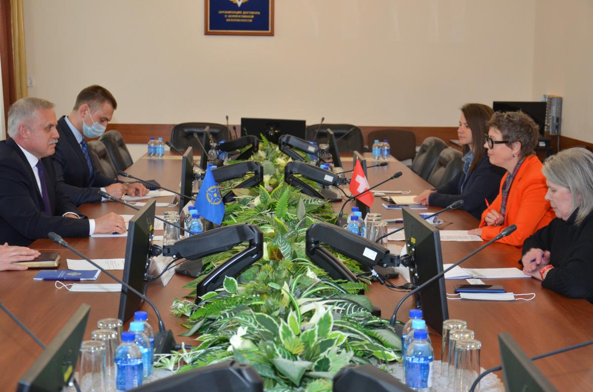 Генеральный Секретарь ОДКБ Станислав Зась встретился с Послом Швейцарии в России Кристиной Марти Ланг