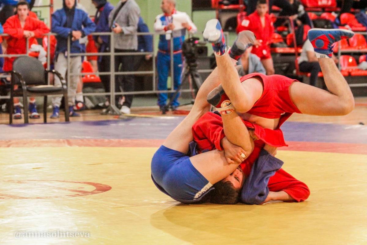 Российские самбисты одержали победу на IV Международном юношеском фестивале по самбо «На призы ОДКБ», состоявшемся в Москве.