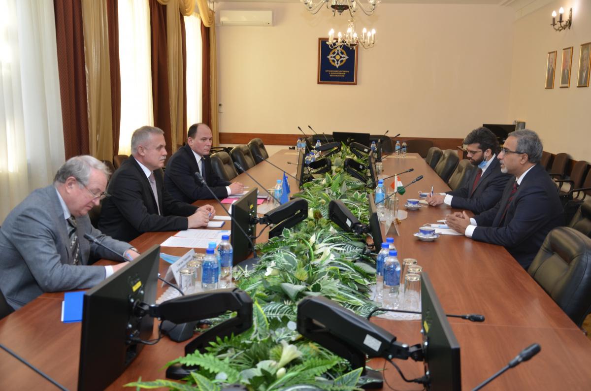 Генеральный секретарь ОДКБ встретился с Послом Индии в Российской Федерации