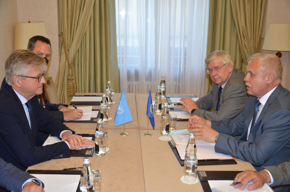 Генеральный секретарь ОДКБ Станислав Зась встретился с заместителем Генерального секретаря ООН по операциям по поддержанию мира – главой Департамента операций ООН по подержанию мира Жан-Пьером Лакруа