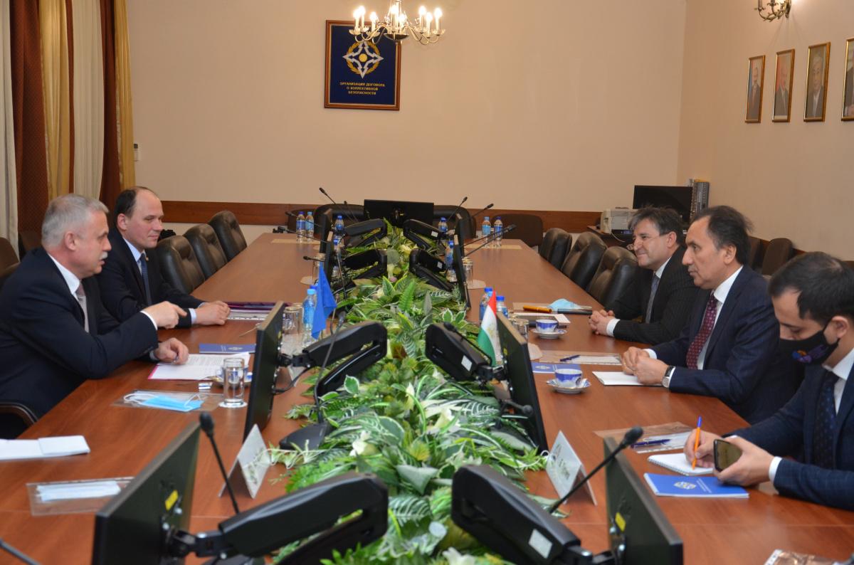 Генеральный секретарь ОДКБ встретился с Послом Таджикистана в России