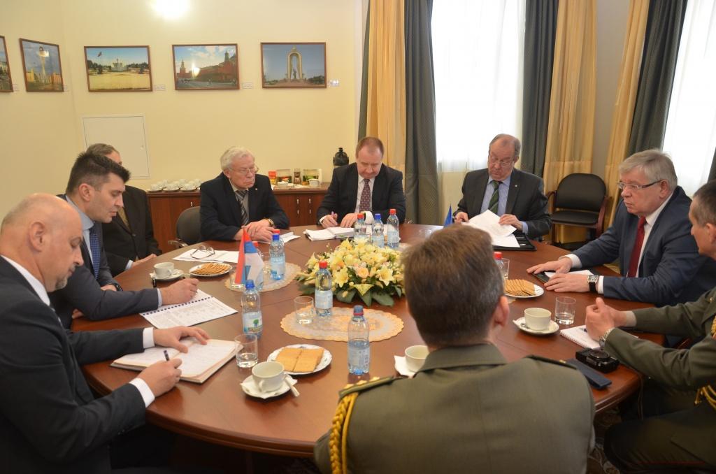 В Секретариате ОДКБ состоялась встреча Исполняющего обязанности Генерального секретаря ОДКБ Валерия Семерикова с Министром обороны Республики Сербия Зораном Джорджевичем